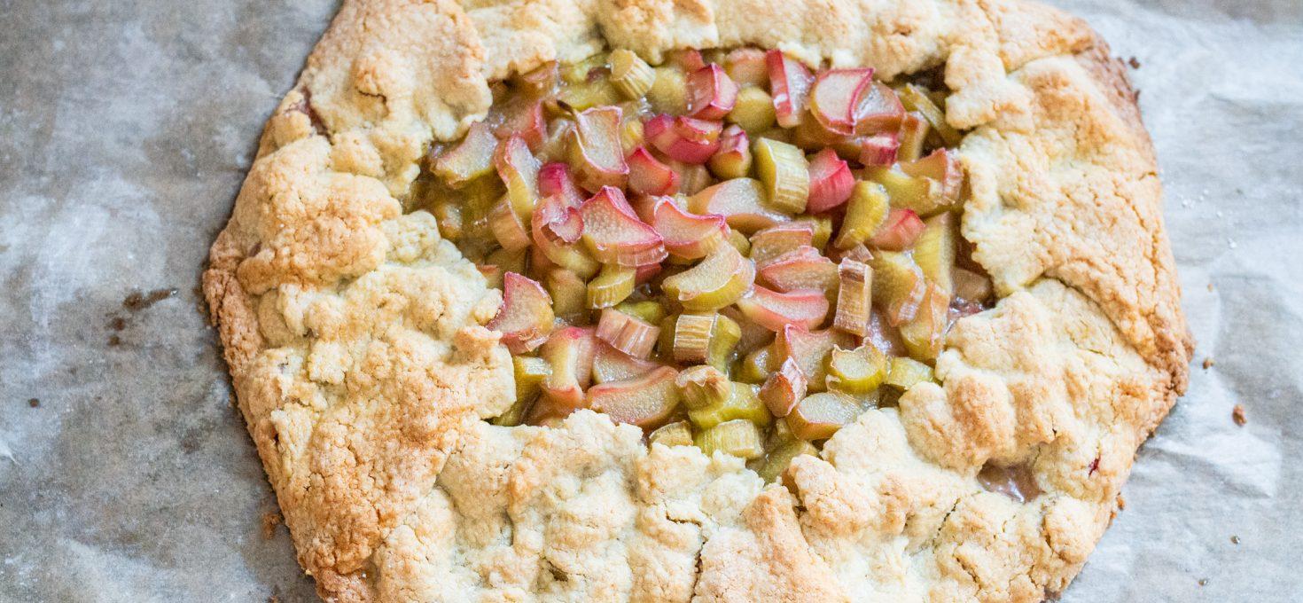 Rustykalna tarta z rabarbarem bez glutenu