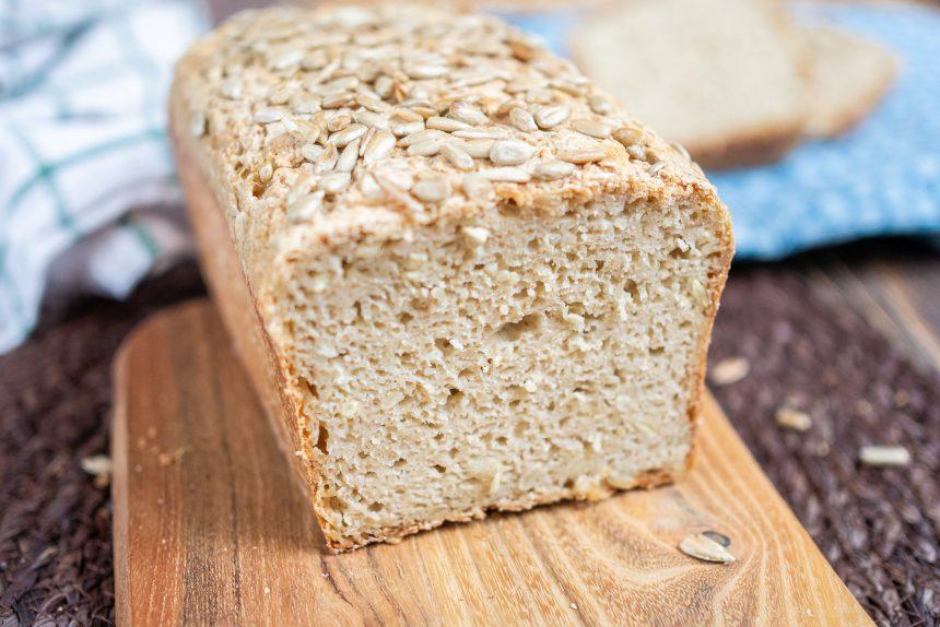 Bezglutenowy chleb z maślanką na zakwasie