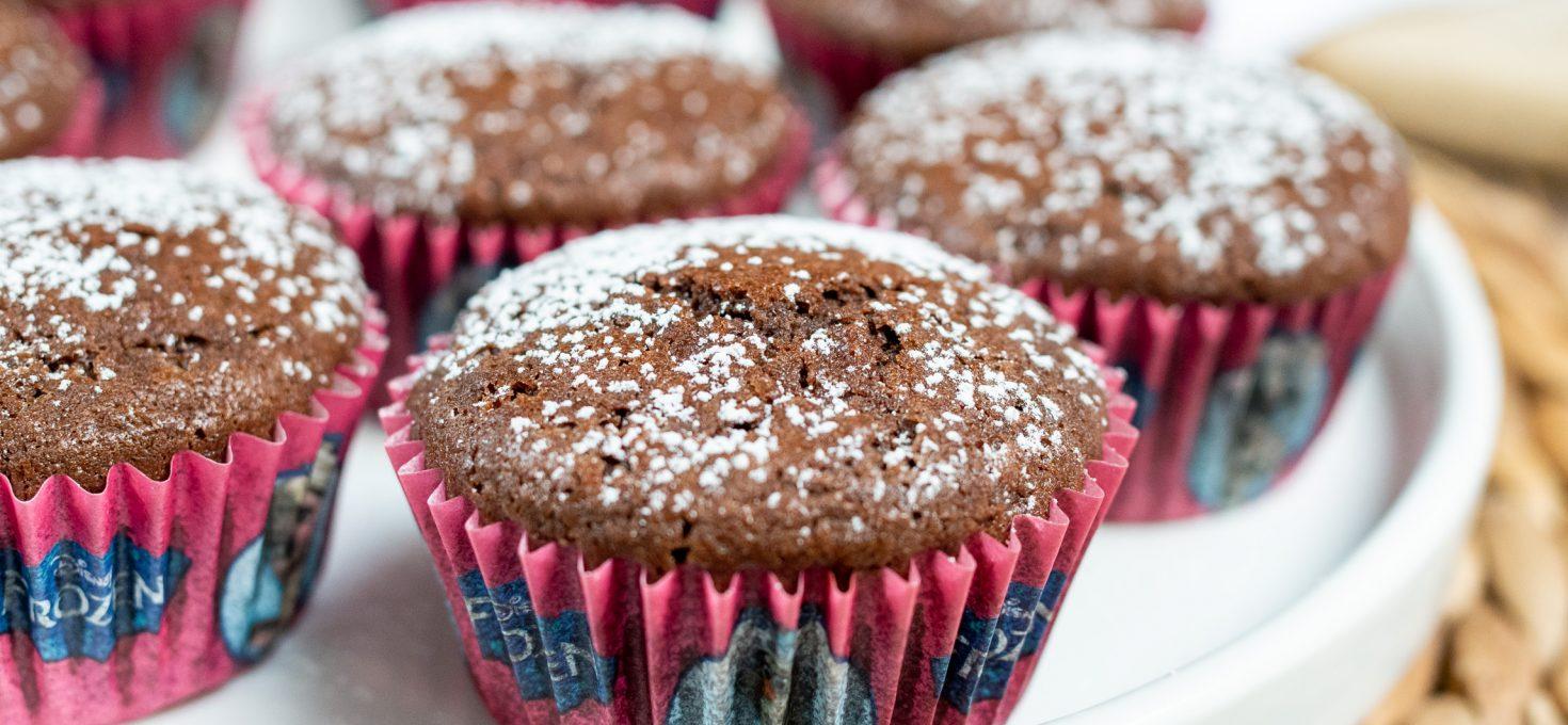Bezglutenowe muffinki kakaowe z jabłkiem
